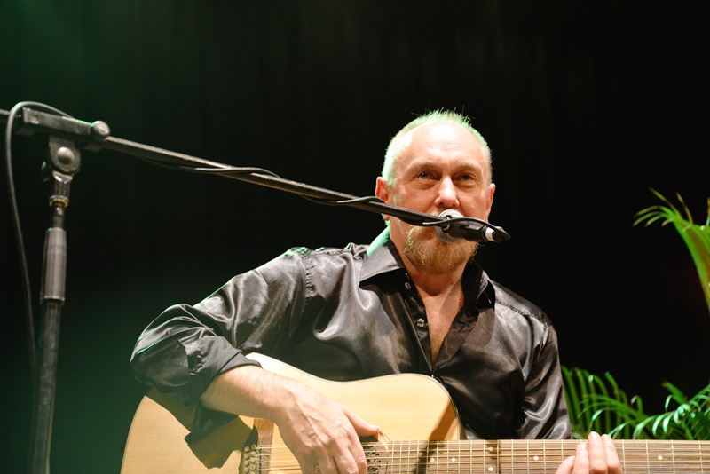 ed-kuepper-live-acoustic