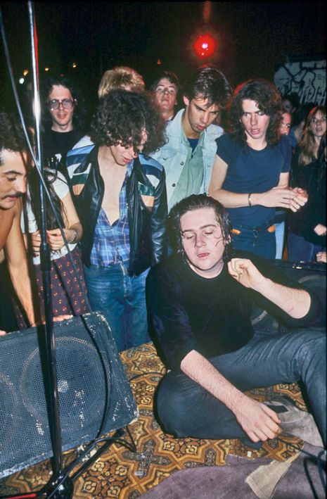 nick cave watches the saints perform at the tiger room melbourne 1977